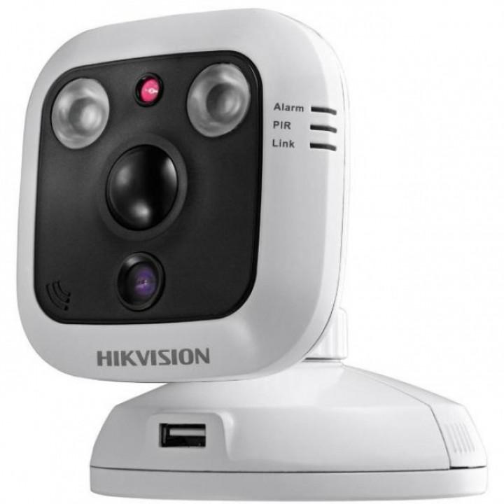 HikVision DS-2CD2C10F-IW (4 мм) IP видеокамера 1.3  MP